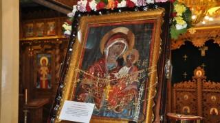Чудотворна икона от Украйна пристигна във Варна