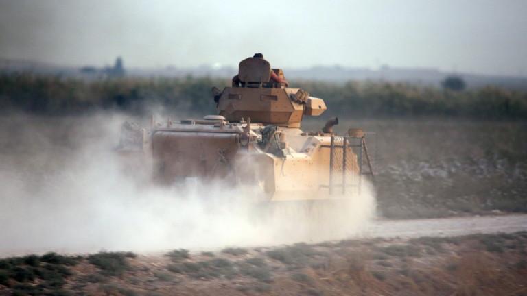 Турската армия продължава да напредва на изтокот река Ефрат в