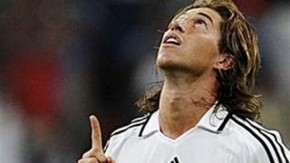 Рамос аут, Каналес се връща за Реал