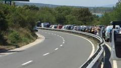 Катастрофа блокира пътя Созопол-Бургас