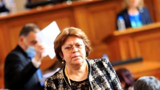 На ИТН три години ли ще им трябват, като дойде дебелият бюджет, възмутена е Дончева