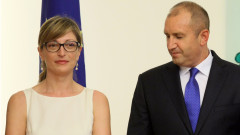 Захариева работи добре с президента, но не иска да научава за КСНС от медии