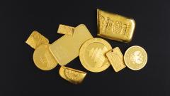 Все повече инвестираме в злато