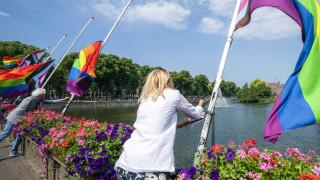 Унгарски трансджендър учители се обединяват срещу Орбан