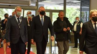 Радев пак предизвика Борисов да спази обещаното