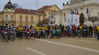 Столичани и гости на града участваха във велошествие и велокарнавал
