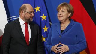 Десетки социалдемократи апелират за коалиция с Меркел