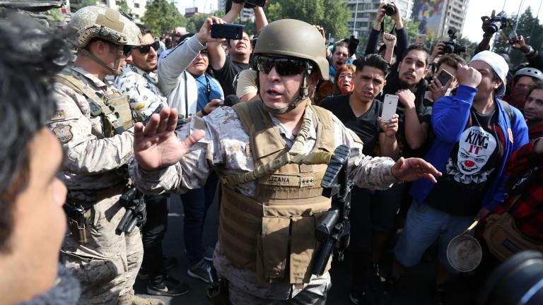 Президентът на Чили Себастиан Пинера обяви извънредно положение в столицата