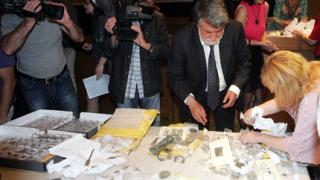 Рашидов върна в куфари антики за $0,5 млн.