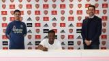 Талант подписа дългосрочен договор с Арсенал