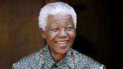 Мандела се възстановява, спират командното дишане