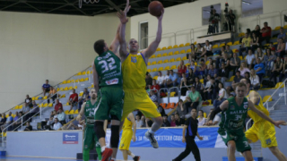 Берое спечели третата част от редовния сезон при баскетболистите, Балкан победи Левски
