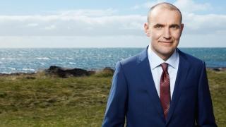 Водещият кандидат-президент на Исландия кара Skoda и разчита на $82 000 бюджет