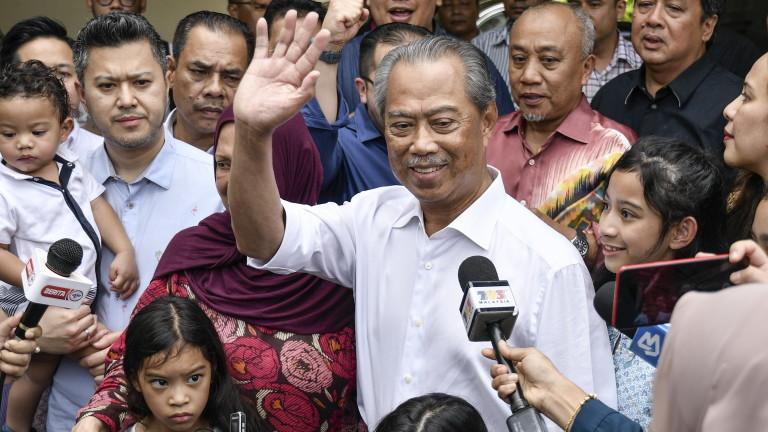 Малайзия има нов премиер, предаде АП. Кралят съобщи днес, че