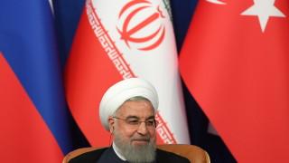 Иран ще победи Тръмп, няма да изостави ракетите си, закани се Рохани