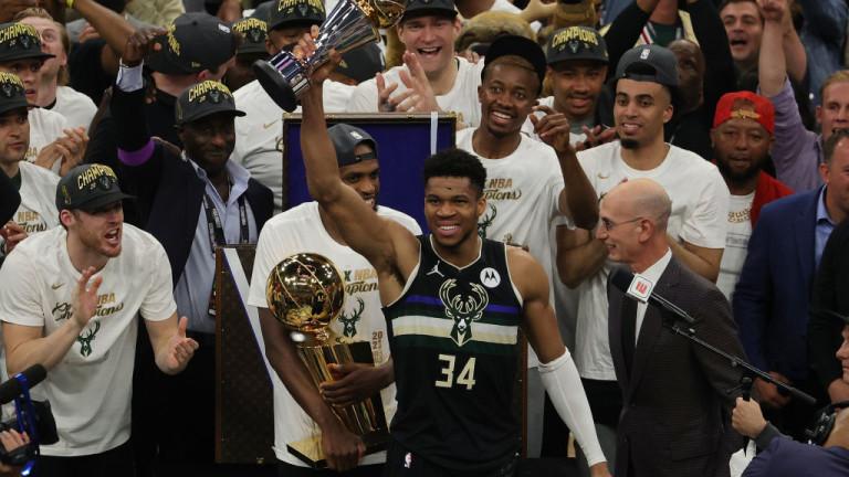 Янис Адетокумбо качи Бъкс на големия трон в НБА