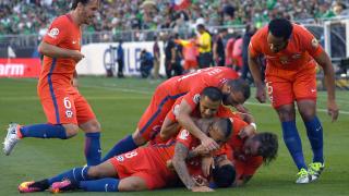 С четири гола на Варгас Чили се саморазправи с Мексико