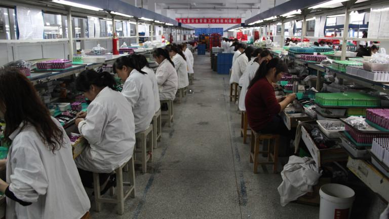 996 - така се нарича работният режим, който много китайски