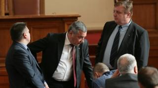 """""""Патриотите"""" в НС ставали неуправляеми, ако Симеонов и Каракачанов са в кабинета"""