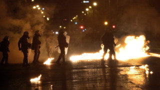 Извънредни мерки за сигурност в Гърция заради младежките демонстрации