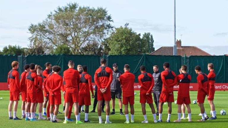 Клубовете от Висшата лига получиха позволение да тренират с контакт