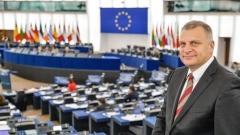 """Курумбашев: Рано е да бием тъпана за победа относно пакета """"Мобилност"""""""
