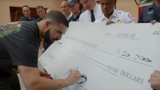 Дрейк раздаде милион долара на непознати