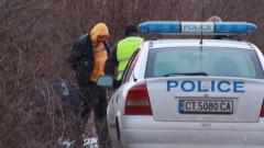 Полицията преследва 200 км бегълци с автомобил