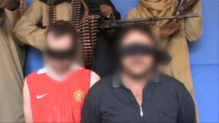 """""""Ал-Кайда"""" показа на видео отвлечени британец и италианец"""