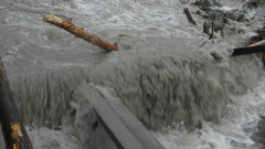 Наводнение в Котел, евакуирани са къщи