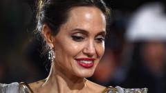 Защо Анджелина прекара два месеца по болници