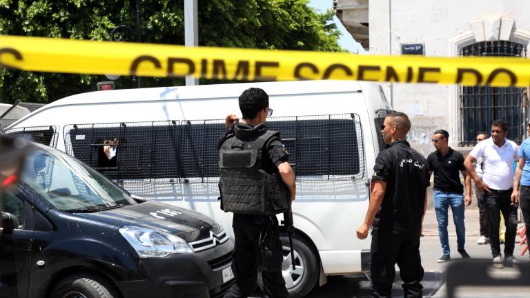 Двама се самовзривиха в Тунис - загина полицай, няколко ранени