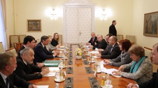 Радев: Словения деполитизира историята си