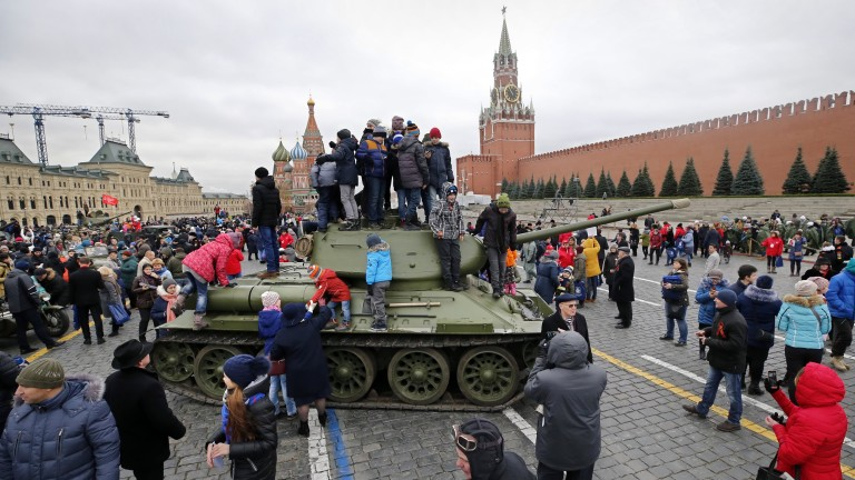 Путин и фигурантите: избори по руски