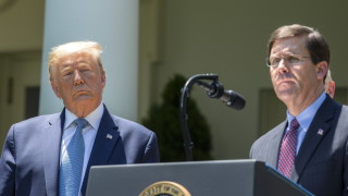 Тръмп обмисля да уволни шефа на Пентагона