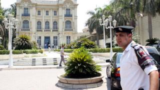 Унищожават фараони в музея в Кайро