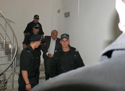 Цар Киро не обжалва, остава в ареста