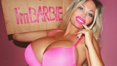 Живото Барби ловува женени мъже (СНИМКИ)