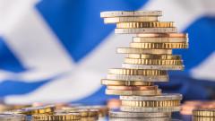 Fitch повиши кредитния рейтинг на Гърция наведнъж с две степени