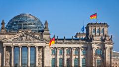 Германската политика е пълна каша, но икономиката върви с пълна пара