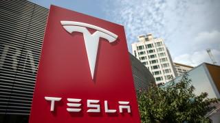 Въпреки затворените заводи Tesla е произвела над 100 000 коли през първото тримесечие