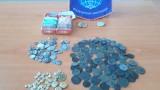 """Откриха старинни монети в цигарени кутии на """"Капитан Андреево"""""""