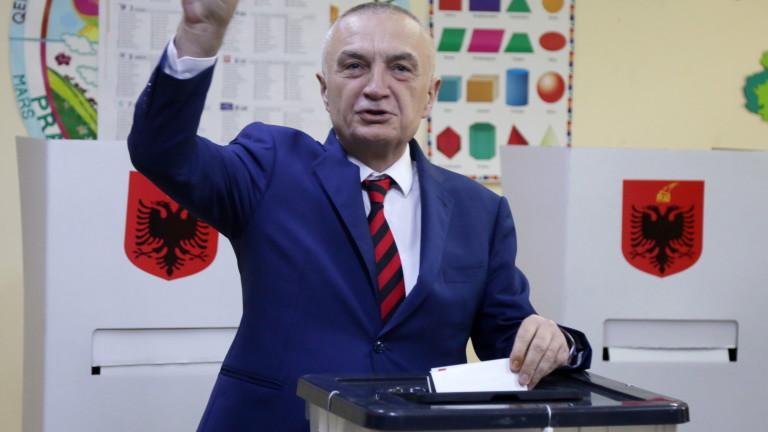 Албанските депутати гласуваха за отстраняването от длъжност (импийчмънт) на държавния