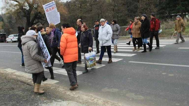 Протест затвори пътя София - Русе