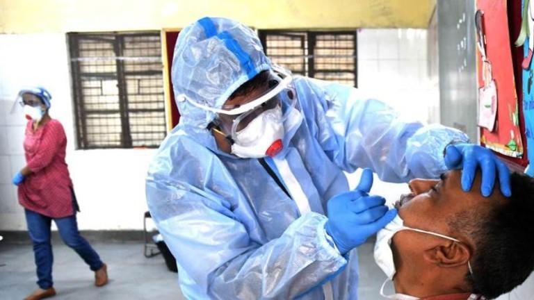 Индия с нови над 22 000 заразени с коронавирус за ден