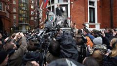 Шведските власти разпитват Асанж в посолството на Еквадор на 14 ноември