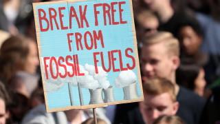 Новата цел на Великобритания за нулеви емисии стана закон