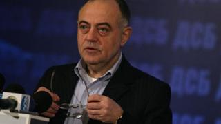 Цветанов да не се бърка в лидерския дебат, призова ДСБ
