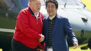 Абе и Тръмп играха голф