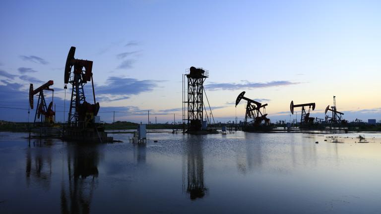 Над 200 производители на нефт в САЩ са подали заявления за фалит